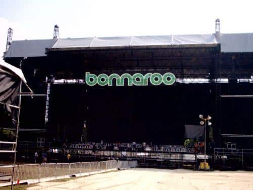 bonnaroo-stage-sign