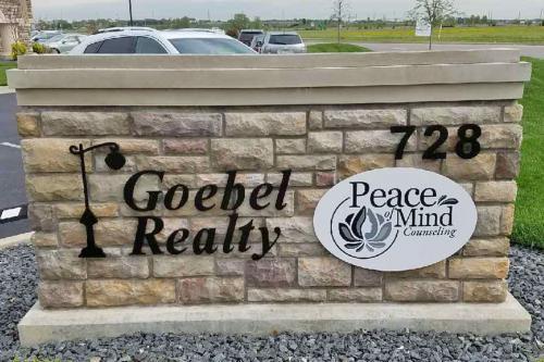 goeble-outdoor-brick-sign