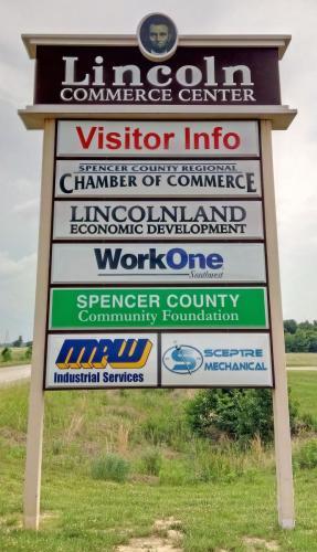 lincoln-commerce-center-pylon