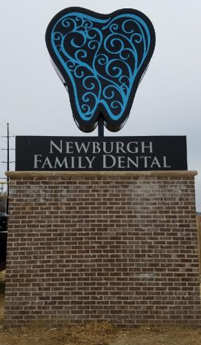 newburgh-family-dental-outdoor-sign