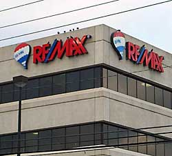 remax-lettering